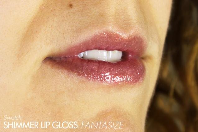 shimmer lip gloss fantasize swatch
