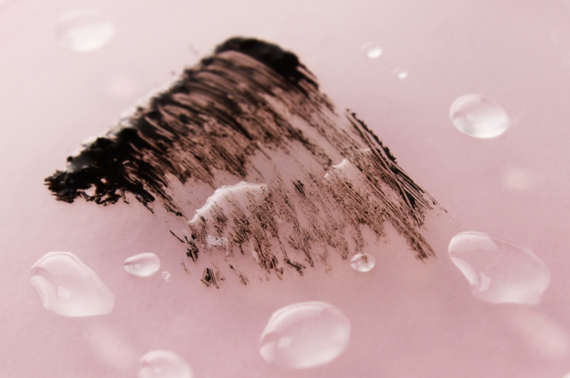 Waterproof lengthening & volumizing mascara